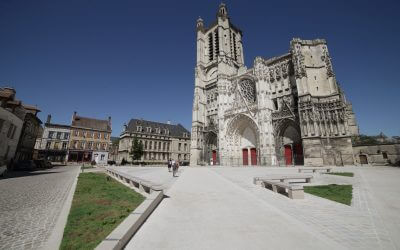 Parvis Cathedrale